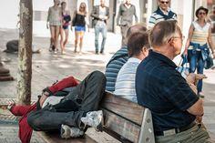 """""""Differenze"""", Avenue des Champs-Élysées, Parigi.1° riScatto urbano di Giulia Gianfelici. Saranno conteggiati i """"mi piace"""" al seguente post: https://www.facebook.com/photo.php?fbid=10204990912992814&set=o.170517139668080&type=3&theater"""
