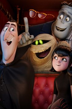 'Hotel Transylvania 2' Trailer Finds Count Dracula In Crisis