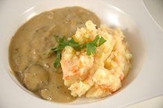 Gestampft und so weiter..... http://www.umgekocht.de/2014/12/champignon-mandel-cashew-rahm-kartoffel-mohren-stampf/