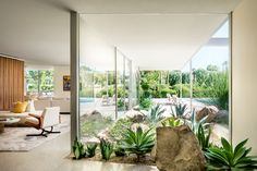 🌟Tante S!fr@ loves this📌🌟Palm Springs Home by Engberg Design & Development « HomeAdore Palm Springs Houses, Palm Springs Style, Palm Springs Interior Design, Palm Springs Mid Century Modern, Desert Homes, Display Homes, Mid Century House, Spring Home, Retro