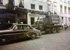 kraan van Stoof. Foto uit 1969 voor de Lido Bar. breda