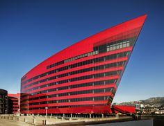 Pacific Design Center - cesar pelli architecture - Red Building - photo Scott Frances