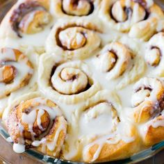 Easy Cinnamon Rolls (from scratch). AWESOME and EASY cinnamon roll recipe that I made for Christmas morning. Cinnamon Rolls From Scratch, Baking Recipes, Dessert Recipes, Pastry Recipes, Healthy Desserts, Bread Recipes, Pumpkin Cinnamon Rolls, Cinammon Rolls, Easy Cinnamon Rolls