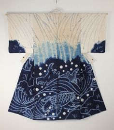 This is Shibori Kimono produced in Akita Asamai area for Edo period.The pattern is Eba-gara. A carp swims in spray. The lower part is dark indigo Shibori in Shirakage-Shibori at the upper part. This cotton is spun by hand. The Eba-gara Shibori kimono was a great high-quality item ordered in particular for Nishimonai-Bon dance.