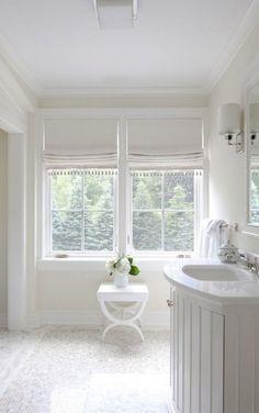 boxwoodclippings_white bathroom