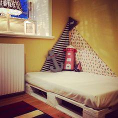 Kuschelecke für das Kinderzimmer: schnell, einfach, maritim und günstig. #diy #europalette #palettenmöbel #kinderzimmer