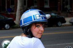 geeky DIY: R2D2 helmet