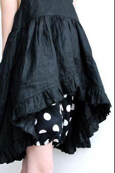 black linen dress from La Princesse au Petit Pois