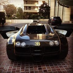 Black and Gold Bugatti! BLING BLING!