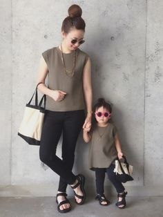 カーキ×ブラック♡ 親子コーデ♡ 莉杏さん スキニーデニム▷古着 アクセサリー▷私のハットクリップ� Mom Daughter, Kids Fashion, Korea, Normcore, Skinny, How To Wear, Style, Child Fashion, Thin Skinny