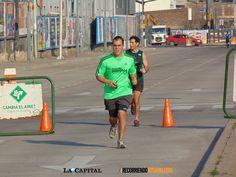 Calle Recreativa. Avenida Cándido Carballo, 30 de agosto de 2015 Todas las fotos en: http://www.recorriendorosario.com/notas/avenida-candido-carballo-30-de-agosto-de-2015