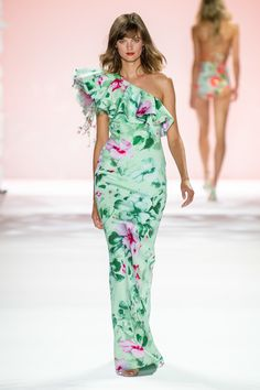 Badgley Mischka Spring 2020 Ready-to-Wear Fashion Show - Vogue 2020 Fashion Trends, Fashion 2020, Fashion Show, Women's Fashion, Style Couture, Couture Fashion, Mint Gown, Badgley Mischka Bridal, Style Photoshoot
