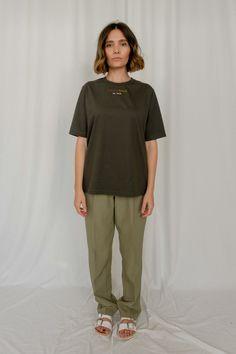 dark olive T-shirt – Adrian Vele Street Look, Female Models, Designers, Normcore, Dark, How To Make, Cotton, T Shirt, Accessories
