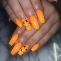 28 Beautiful Orange Nail Designs Perfect For Fall - The Glossychic - Skin Care, Nails , Body Makeup, Summer Skin Care Orange Nail Designs, New Nail Designs, Acrylic Nail Designs, Orange Design, Pointy Nails, Aycrlic Nails, Coffin Nails, Cute Acrylic Nails, Cute Nails