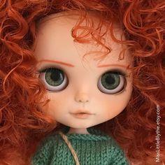 いいね!110件、コメント3件 ― Hello I'm Lou!さん(@misslittleblythe)のInstagramアカウント: 「Hi! I am Miss Little Blythe Noelia. If you like my customs and outfits visit…」