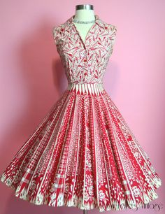 Vintage Novelty Print Umbrellas Rain and Roses White and Red Cotton Full Skirt Shirtwaist Dress