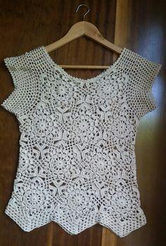Crochet Hood - How to crochet easy for beginners Crochet motif dress pattern Crochet Hood, Crochet Motif, Easy Crochet, Crochet Summer Tops, Crochet Woman, Crochet For Beginners, Top Pattern, Lace Tops, Crochet Clothes