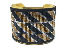 BE CAREFULL HOLIDAYS: ALL ORDERS FROM July 02 to July 24 will be shipped on july 25    Cuff Bracelet Beads Woven black, gold, transparent crystal / geometric pattern / gift idea christmas / birthday gift Christmas gift or birthday present.  Very nice gift idea or just for fun and accessorize an outfit!  Realization / composition: The realization of this bracelet 2h30 requires work. Entirely handmade by me. - Weaving: 2240 miyuki beads Delica 11/0 (2mm in diameter, I c...