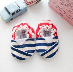 Handmade Crib Shoes by LittleLuliAndLuiz on Etsy, $15.00