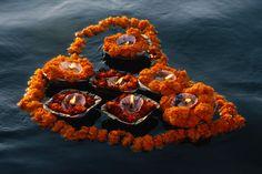 Ofrendas en Ganges |