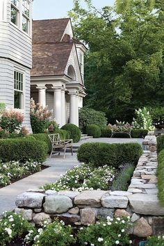 Fresh Front Yard and Backyard Landscaping Ideas ~ Home And Garden Garden Cottage, Home And Garden, Garden Living, Outdoor Spaces, Outdoor Living, Traditional Landscape, White Gardens, Front Yard Landscaping, Landscaping Ideas