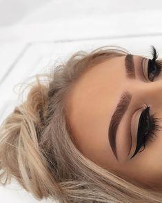 Amazing makeup look. Eyes: Anastasia Beverly Hills modern renaissance palette. Afflink.