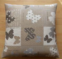 Housse de coussin en tissu à motifs papillons : Textiles et tapis par alsace-gourmets