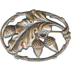 Lovely Vintage Art Nouveau Sterling Silver Acorn Oak Leaf Brooch Pin Fall Autumn