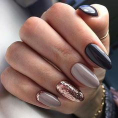 The advantage of the gel is that it allows you to enjoy your French manicure for a long time. There are four different ways to make a French manicure on gel nails. The choice depends on the experience of the nail stylist… Continue Reading → Ombre Nail Designs, Acrylic Nail Designs, Nail Art Designs, Nails Design, New Years Nail Designs, Cute Nails, Pretty Nails, Nagel Gel, Gorgeous Nails