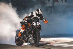 2017 KTM 1290 Super Duke R burnout
