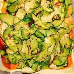 Vegansk squash- og auberginepizza