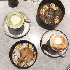 Would very much like to repeat yesterday's breakfast @farmgirlcafe  Acai bowls (with what looks like a whole tub of almond butter) and a matcha latte for me  Rose latte for @kirstyeelizabeth Follow my IG stories today for more London fun! www.ellaryder.com