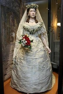 wedding dresses through out histroy