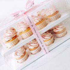 Cake Boxes Packaging, Cupcake Packaging, Baking Packaging, Honey Packaging, Dessert Packaging, Food Packaging Design, Cupcakes Packaging Ideas, Cake Shop Design, Bakery Design