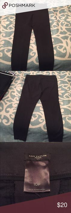 Ann Taylor Petite Ponte Leggings Ann Taylor pointe leggings. Only worn once. Like new condition. They are dress pants and are skinny legged. Come to the ankle. Super cute and extra comfortable. Ann Taylor Pants Ankle & Cropped