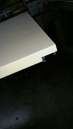OW : an external sliding door with hidden bar