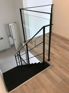 steel railing and balustrade in steel and glass Interior Stairs, Home Interior Design, Washington Houses, Stair Well, Steel Railing, Rustic Luxe, Glass Balustrade, House Inside, House Design