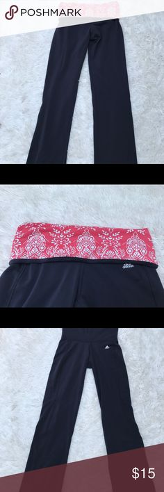 Adidas women work out pants Adidas women work out pants  Grey with Floral Detailed waist band Size small No stains or rips  Length 44.5 with band not folded Length with waist band folded 40 E18 adidas Pants Track Pants & Joggers