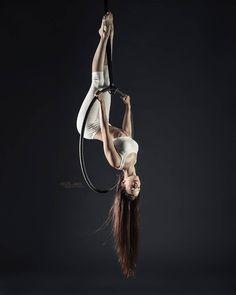 "40 tykkäystä, 1 kommenttia - Sergey Akulich (Aikis) 📷 (@_aikis) Instagramissa: ""Marshmallow dancer @sveta0405 ___ #olgarepina_dance #artofdance #aerialarts #aerialring #aerialhoop…"""