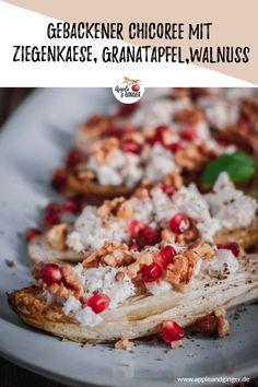 Was wäre eine bessere Vorspeise für ein ayurvedisches Menü, als diese gebackenen Chicoreé Hälften, gefüllt mit cremigen Ziegenkäse, knackigen Walnüssen und frischen Granatapfelkernen? #ayurveda #ayurvedarezept #vegetarisch #gesundkochen #gesunderezepte #weihnachten #weihnachtsmenü #weihnachtsrezept #chicoreé #granatapfel #walnüsse #zuckerfrei