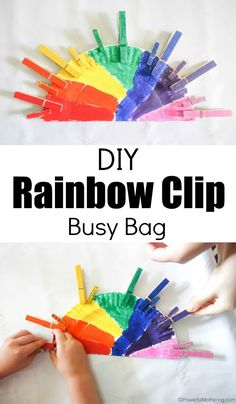 Make this super easy DIY Rainbow Clip Busy Bag for preschool! #colors #busybags #preschool #rainbow #finemotor #clothespins #paperplate