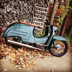 Like 234 times, 20 comments - Schwarzwald Schwalbe ( au . Vintage Bikes, Vintage Motorcycles, Cars And Motorcycles, Custom Moped, Custom Bikes, Motor Scooters, Vespa Scooters, Lambretta, Honda Ruckus