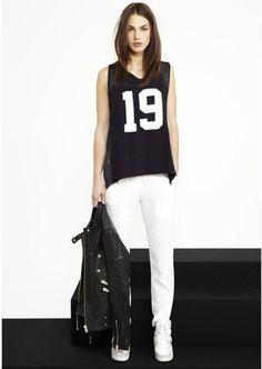 tengo camisetas con prints asì pero quiero una holgada. serìa mostro tb con un pantalòn blanco ♥♥♥