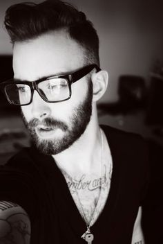 Beard Guys who wear glasses because they need them Beards And Mustaches, Trendy Haircuts, Mens Glasses, Nice Glasses, Beard No Mustache, Moustache, Beard Tattoo, Hair And Beard Styles, Men's Grooming