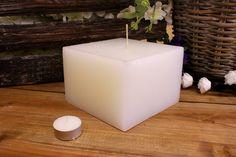 Κεριά μασίφ τετράγωνα σε χρώμα λευκό ΤΧ1510ΧΛΕ. Πλευρά: 15εκ. Ύψος: 10εκ. Pillar Candles, Taper Candles