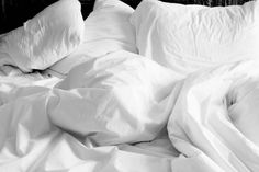 How to clean your mattress. How to clean urine, blood, dirt, dust mites and more from your bed. Sleep better in a clean bed! Tie Blankets, Mattress Cleaning, Perfume Samples, Healthy Sleep, Feather Pillows, Bed Bugs, Best Pillow, Weighted Blanket, Sleep