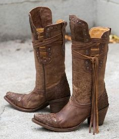 Buckle has a great selection of women's Corral boots for you to choose from. Corral women's boots appeal to both the western and mainstream fashion worlds with intricate boot decorations. Low Heel Boots, Low Heels, Heeled Boots, High Boots, Tall Boots, Cowgirl Boots, Western Boots, Riding Boots, Equestrian Boots