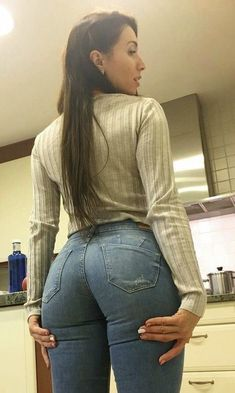 Tops Online Shopping, Best Jeans, Girls Jeans, Girl Fashion, Womens Fashion, White Girls, Sensual, Leggings Are Not Pants, Sexy Women