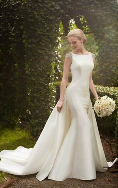 843 Wedding Dress with Detachable Train by Martina Liana