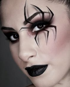 """Make Up is in the eye of the beholder"". Halloween Spider Makeup, Amazing Halloween Makeup, Halloween Eyes, Halloween Looks, Witch Makeup, Crazy Makeup, Fantasy Makeup, Black Widow Costume Spider, Heloween Make Up"